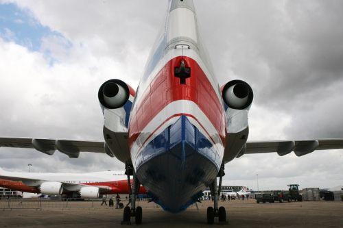 俄军方2.68亿美元订购6架别-200型两栖飞机